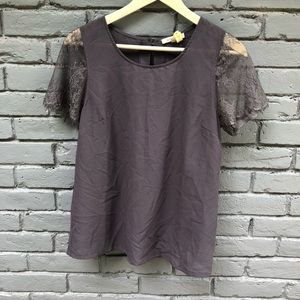 41Hawthorn Gray Lace Sleeved Shift Blouse S
